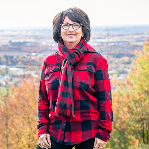 equipe_La-Petite-Cabane-a-sucre-Quebec-sirop-erable_Carole